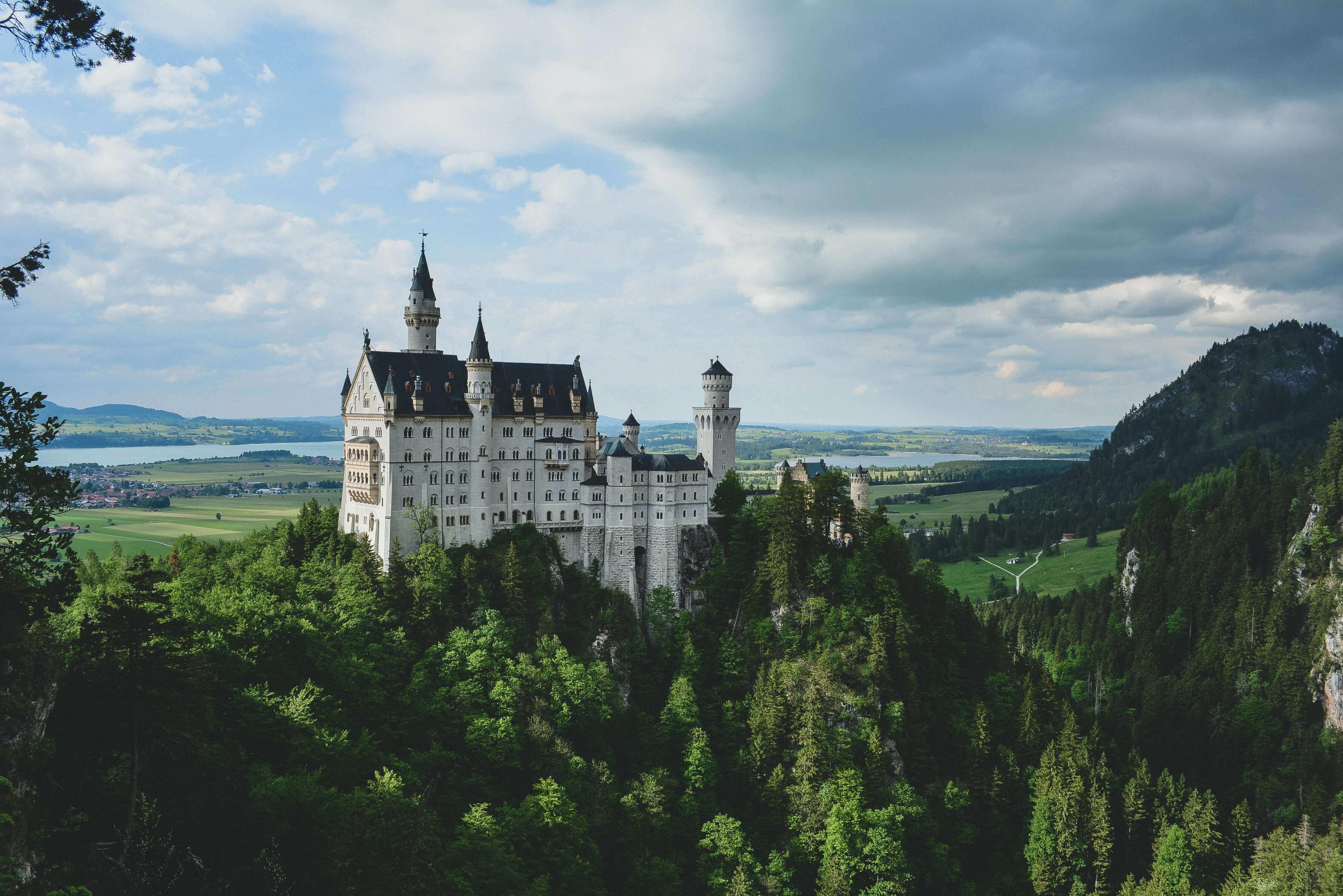 """【書評・考察】シャーリィ・ジャクスンの""""ずっとお城で暮らしてる""""が謎過ぎたので考察したよ"""